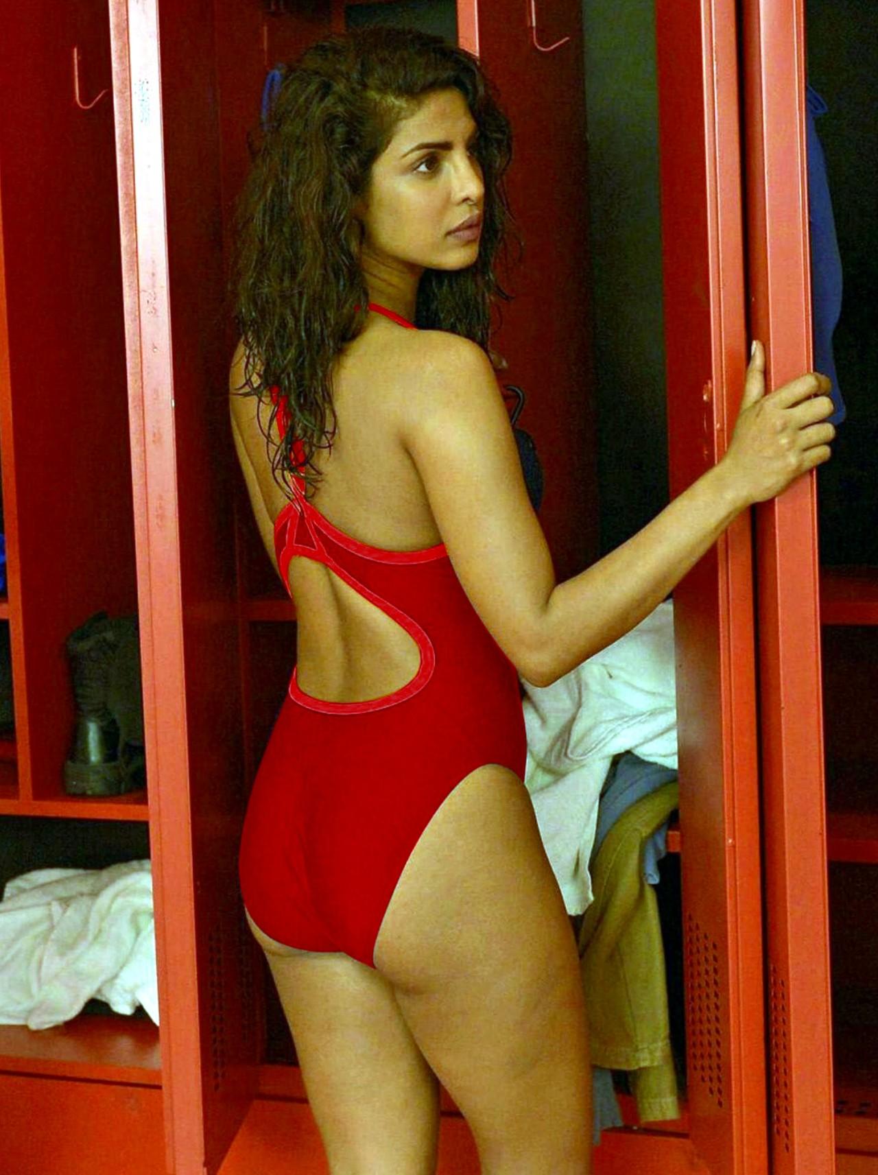 Priyanka Chopra_005_Baywatch Swimsuit