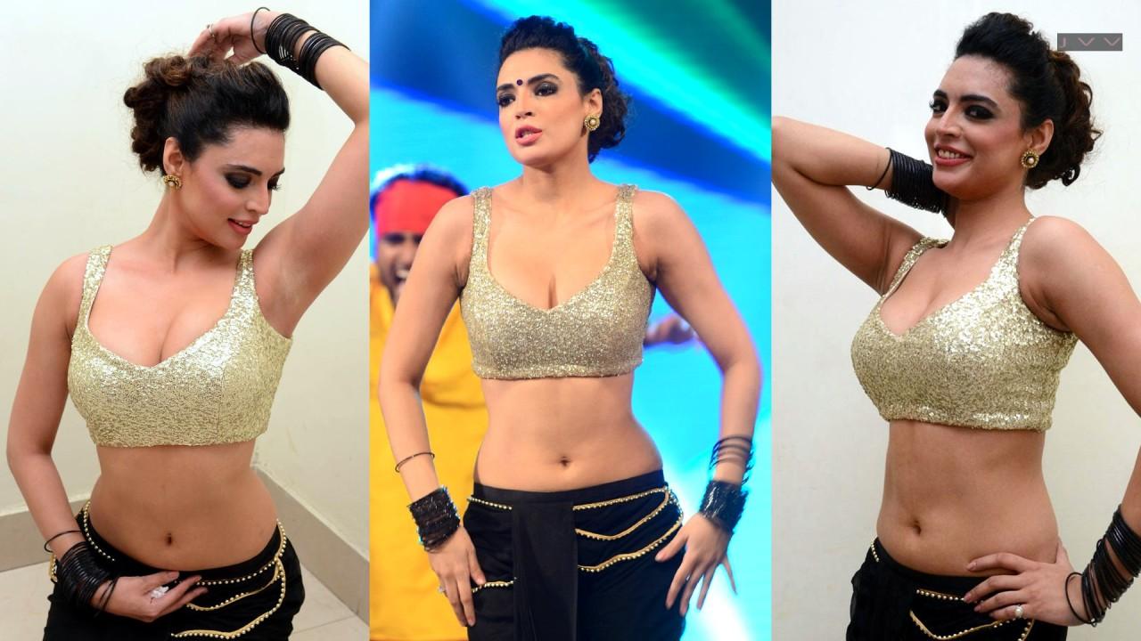 Shweta Bhardwaj_002_Item Dance