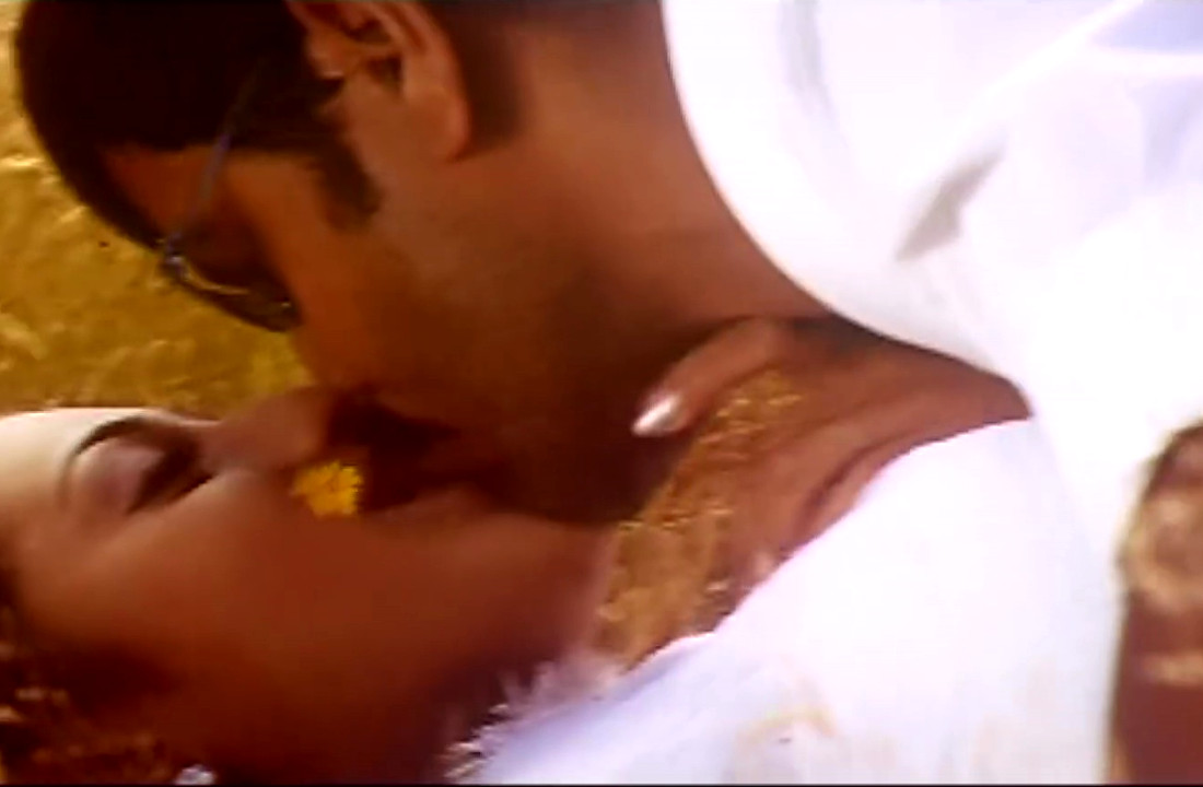 Trisha_Hot Song 1_004