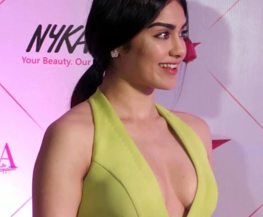 Adah Sharma_Nykaa Femina_05_Hot Cleavage Pics