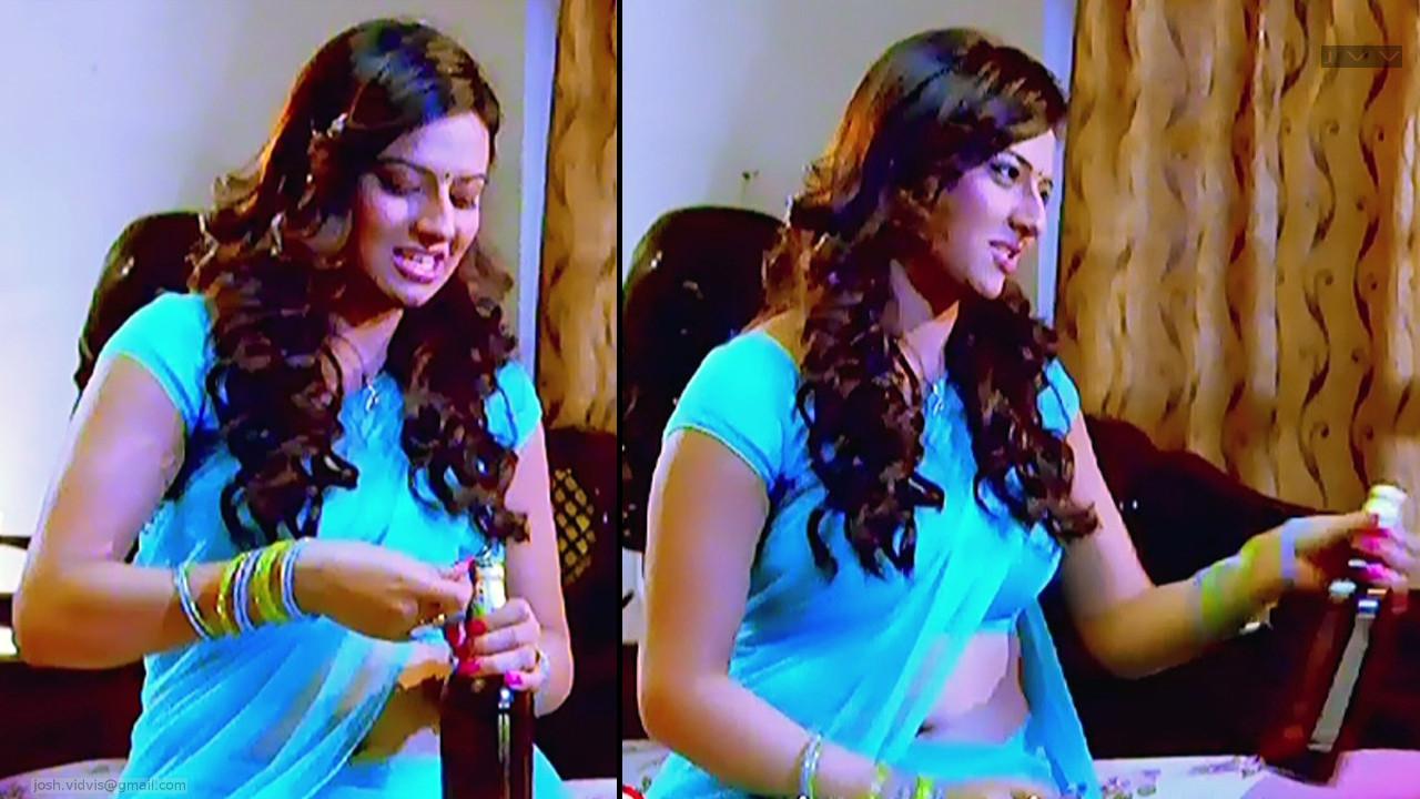 Isha Chawla_SN_03_Saree Navel Scene