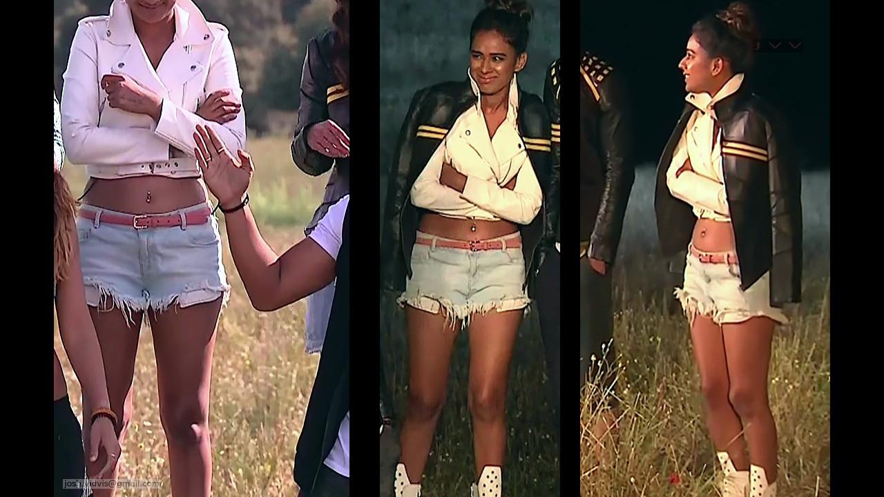 Nia Sharma_KKK_09_Game show hot navel leg