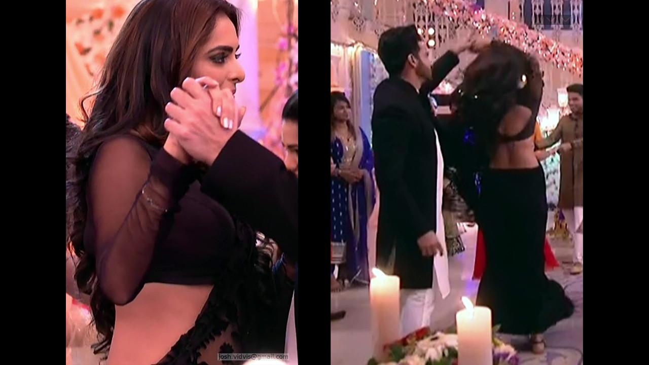 Ruhi Chaturvedi_Hindi TV Actress05_Hot Transparent Saree
