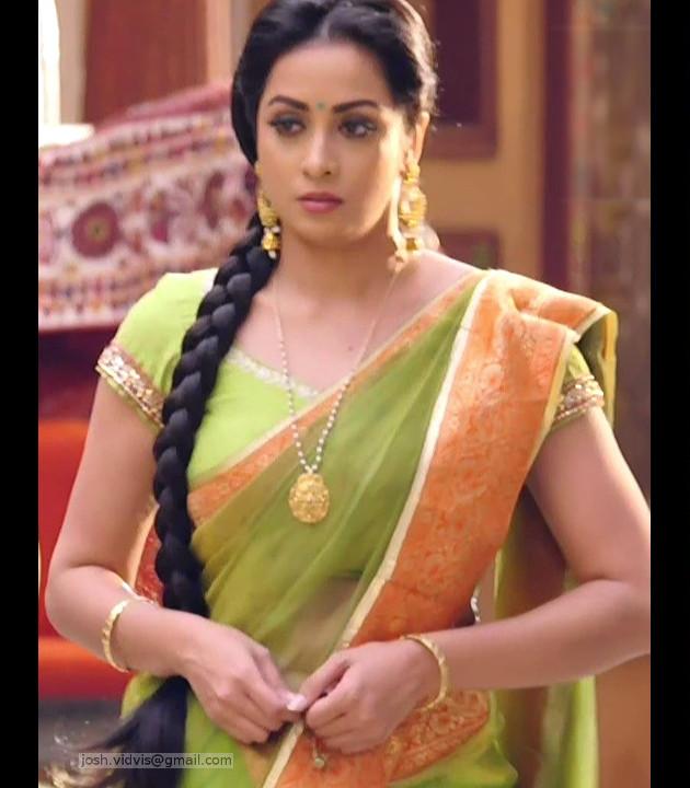 Madhura Naik_Hindi TV actress_06_Hot saree Pics