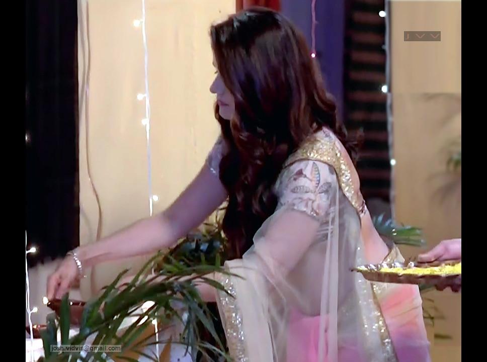 Rubina Dilaik_Desi TV celeb_03_Sari Pics