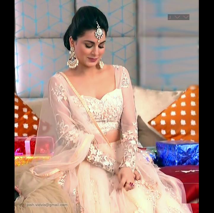 Shraddha Arya_Hindi TV Actress_02_Hot Pics