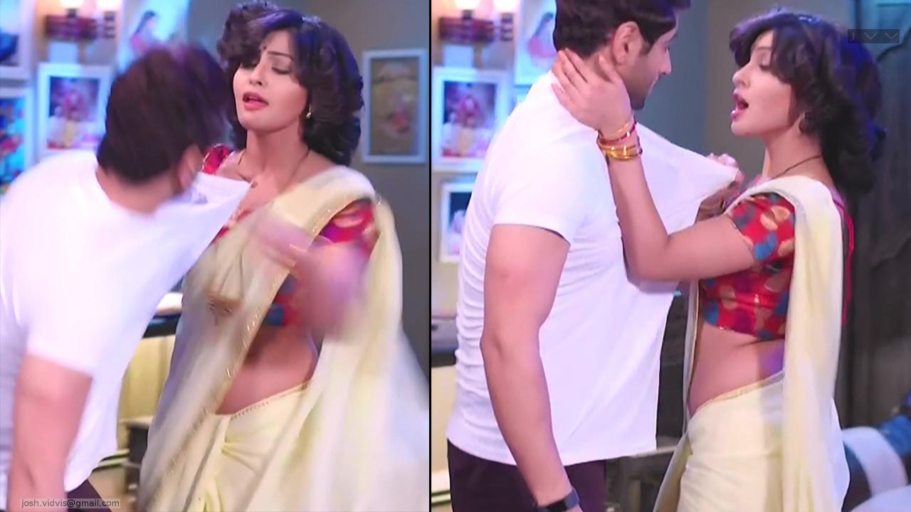 Yukti Kapoor_Hindi TV Celeb_02_Hot Saree dance pics