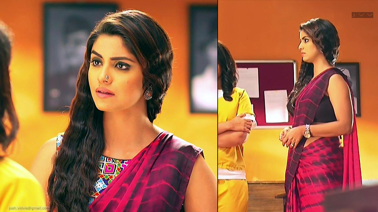 Sayantani Ghosh_Hindi TV Actress_03_Hot Saree Pics