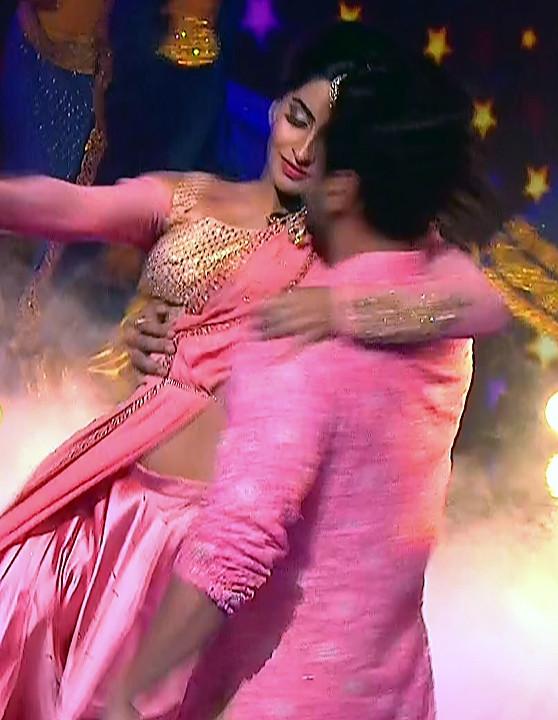 Yukti Kapoor_Hindi TV Actress_108_Lehenga Choli dance Pics