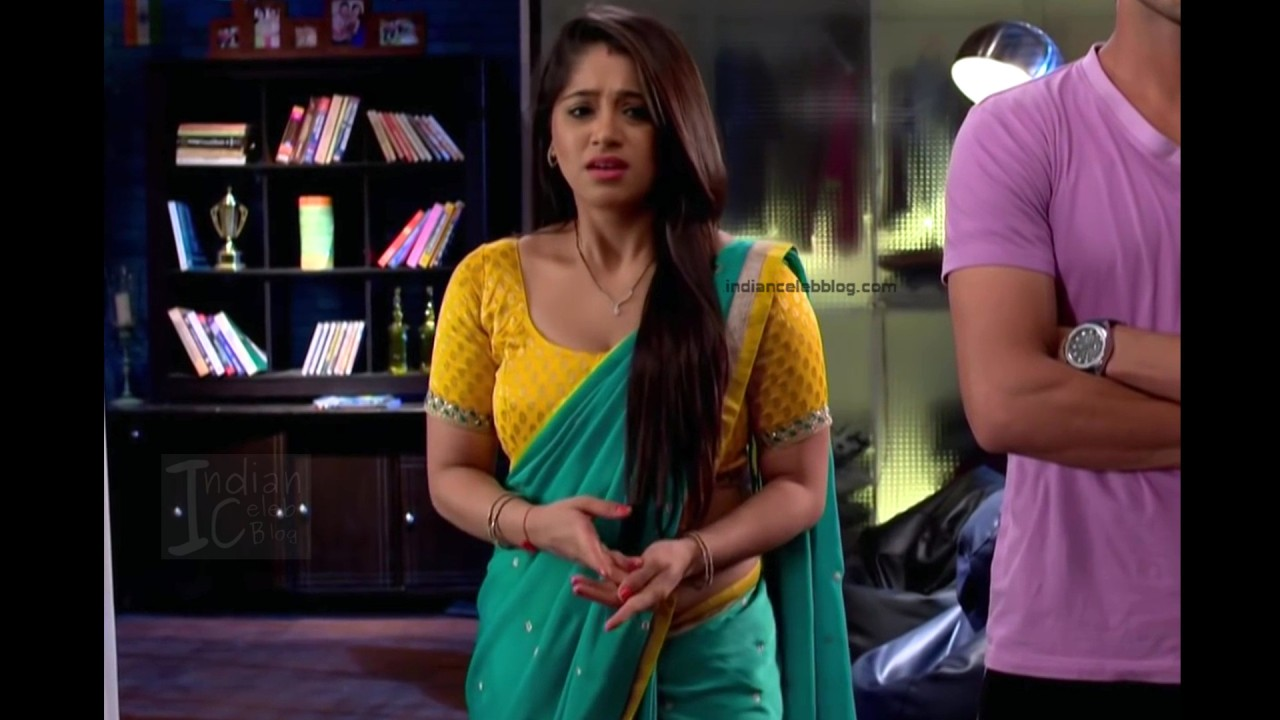 Chandni Bhagwanani_Hindi TV serial Actress_3_Hot sari photo