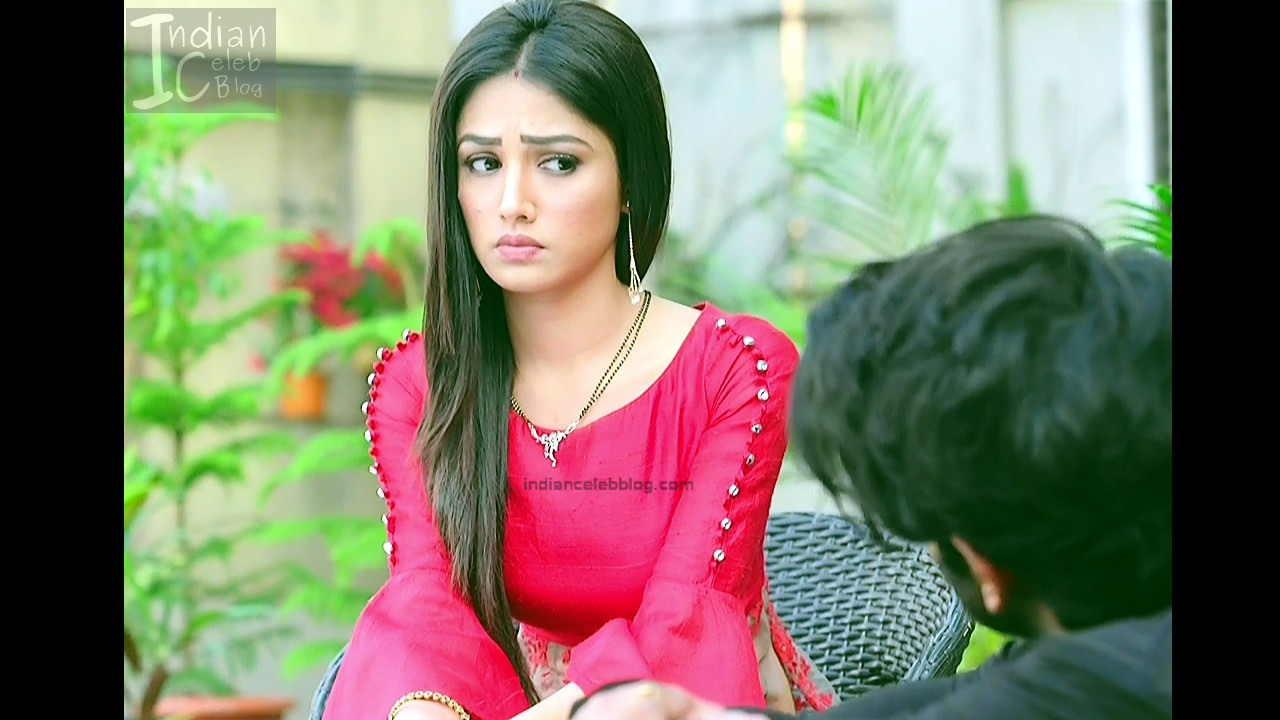 Donal Bisht_Hindi TV Actress EkDT S1_2_Hot navel show pics