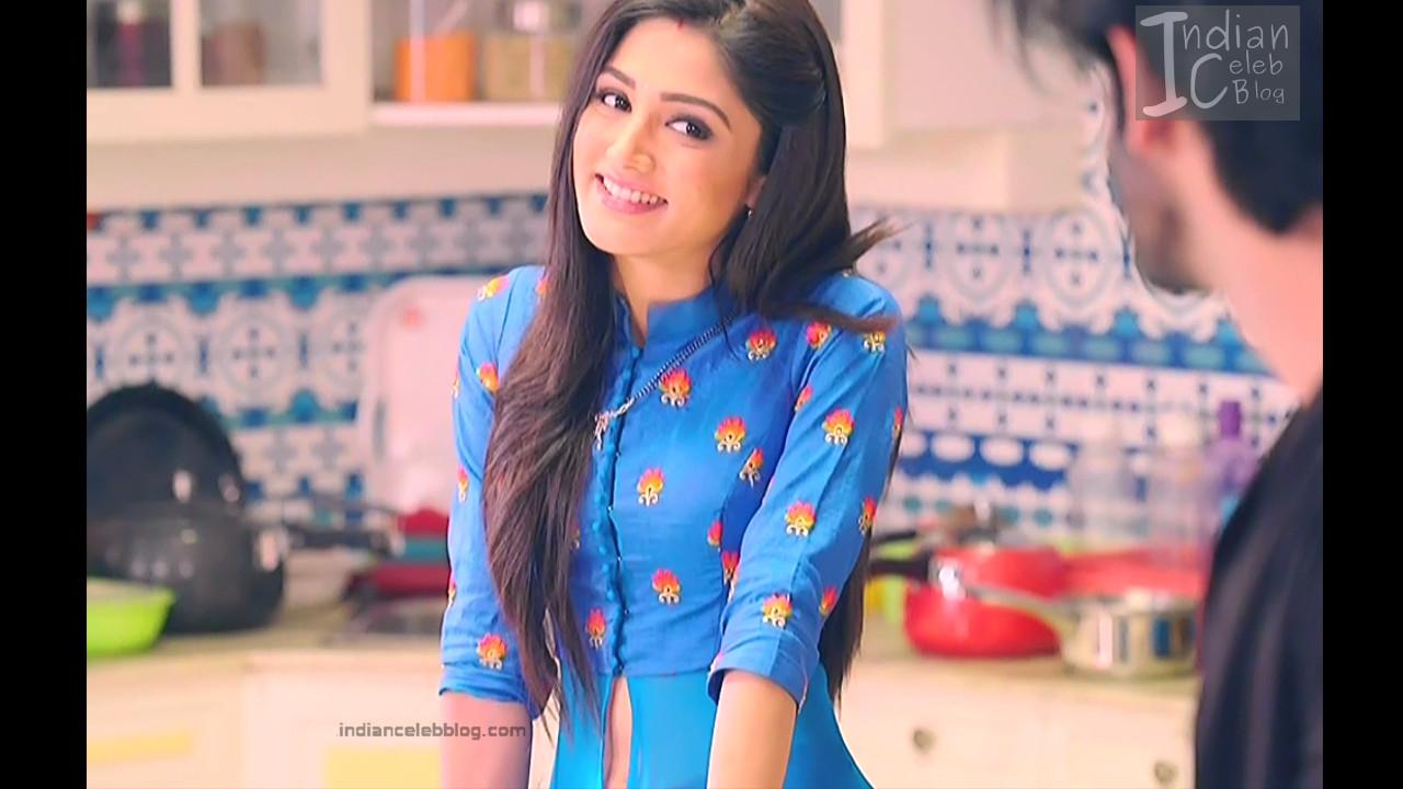 Donal Bisht_Hindi TV Actress EkDT S1_7_Hot navel show pics