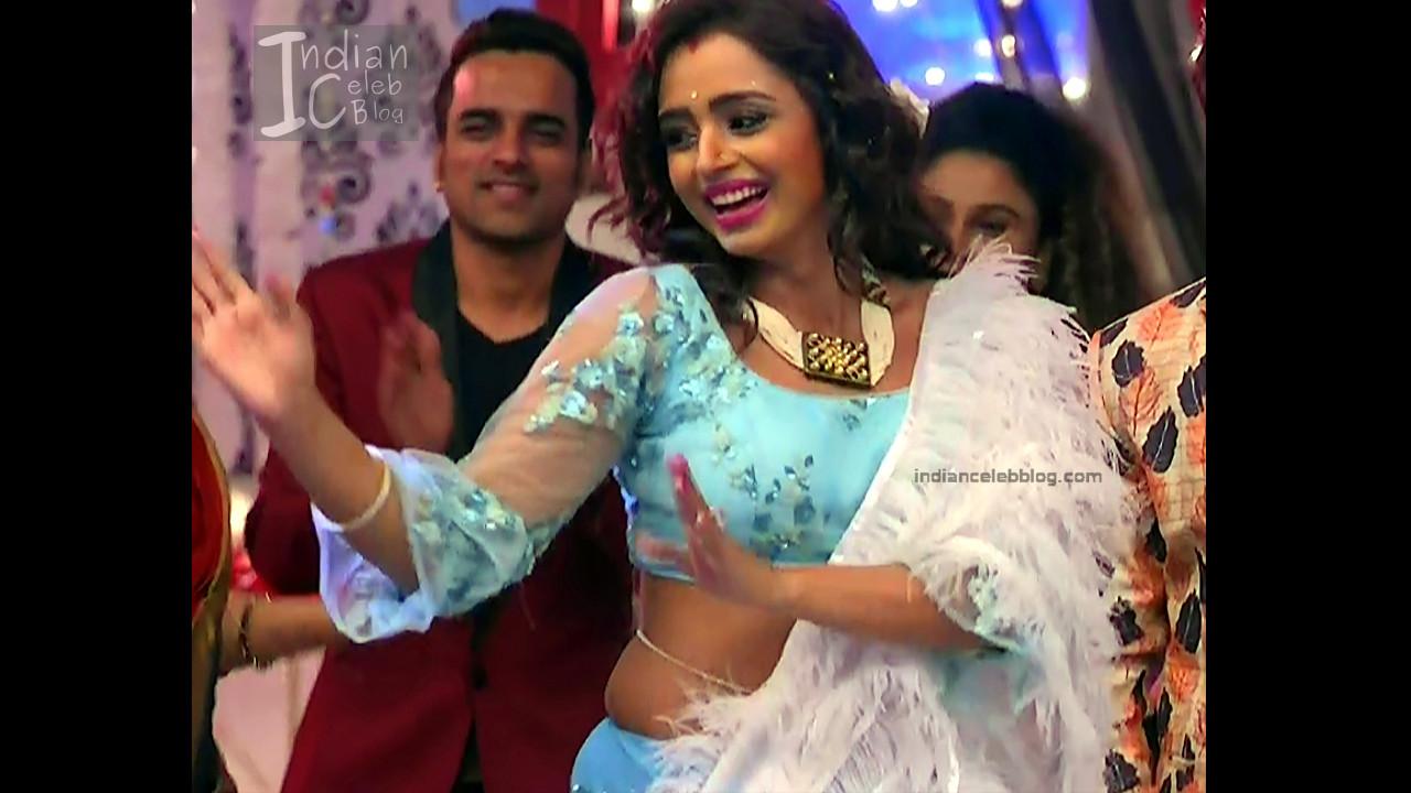 Parul Chauhan_Hindi TV Actress_4_Hot Saree photo