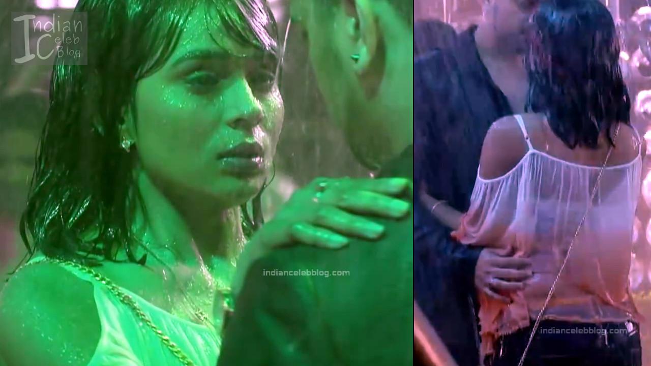 Sonal Vengurlekar_Hindi TV Actress YehVR S3_1_Hot Jeans