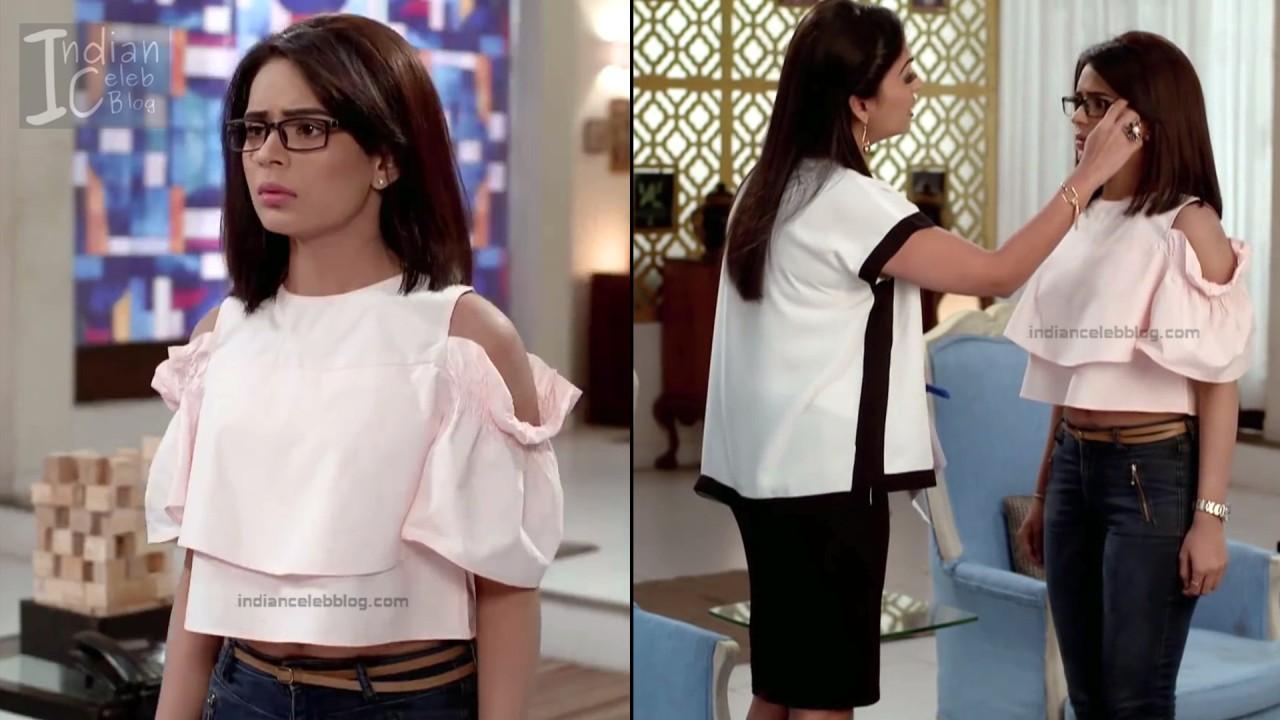 Sonal Vengurlekar_Hindi TV Actress YehVR S3_4_Hot Jeans