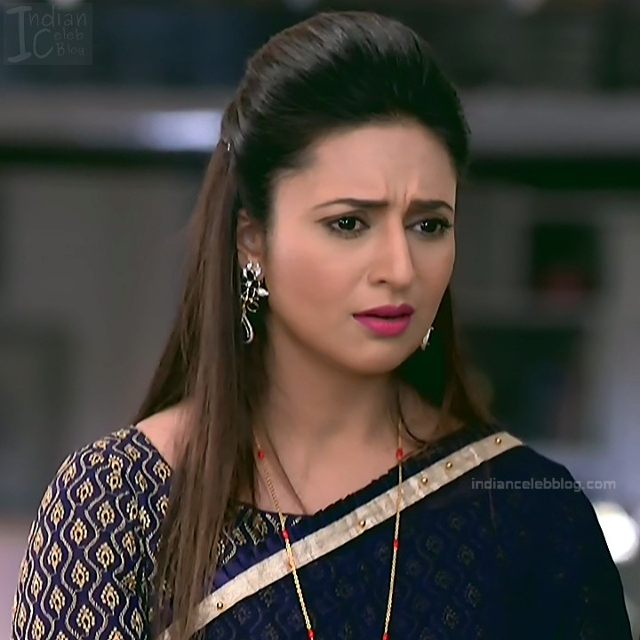 Divyanka Tripathi_Hindi TV Actress YehHM S2_22_Sari Photos