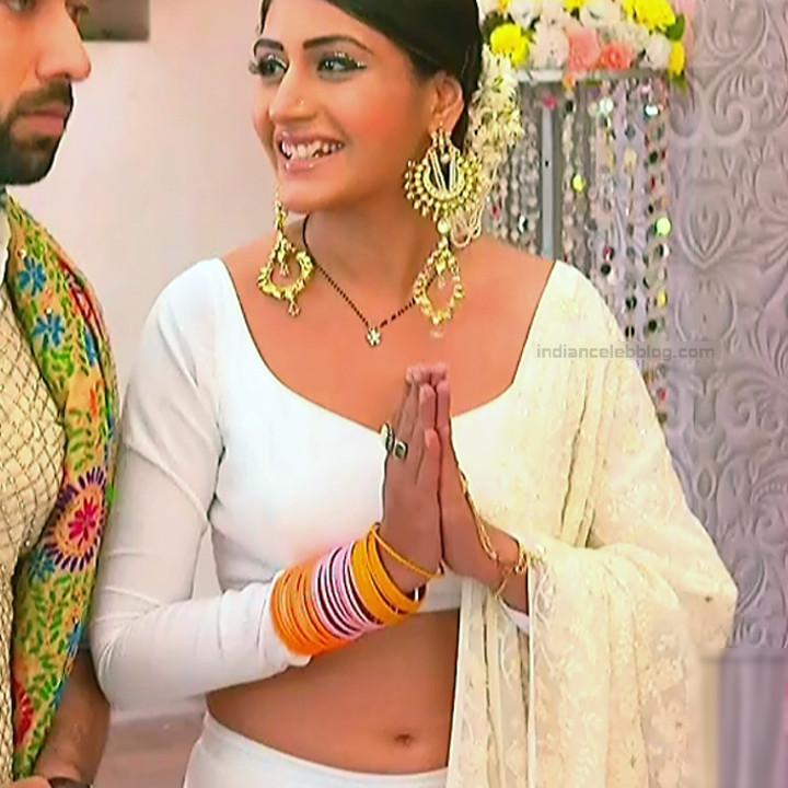 Surbhi Chandna_Hindi serial actress IB-S2_9_Hot navel pics