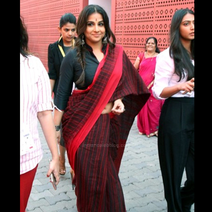 Vidya Balan_Bollywood Actress Event Pics - S1_17_Hot Saree