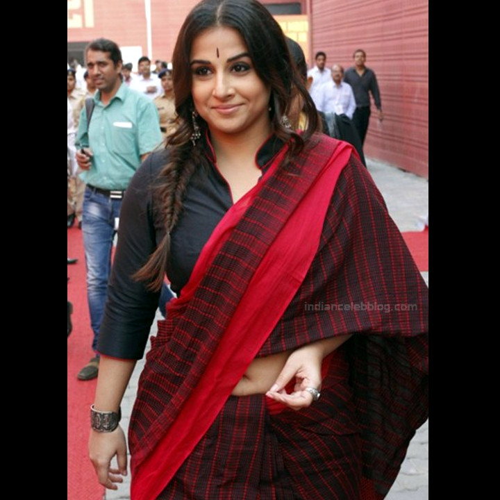 Vidya Balan_Bollywood Actress Event Pics - S1_18_Hot Saree