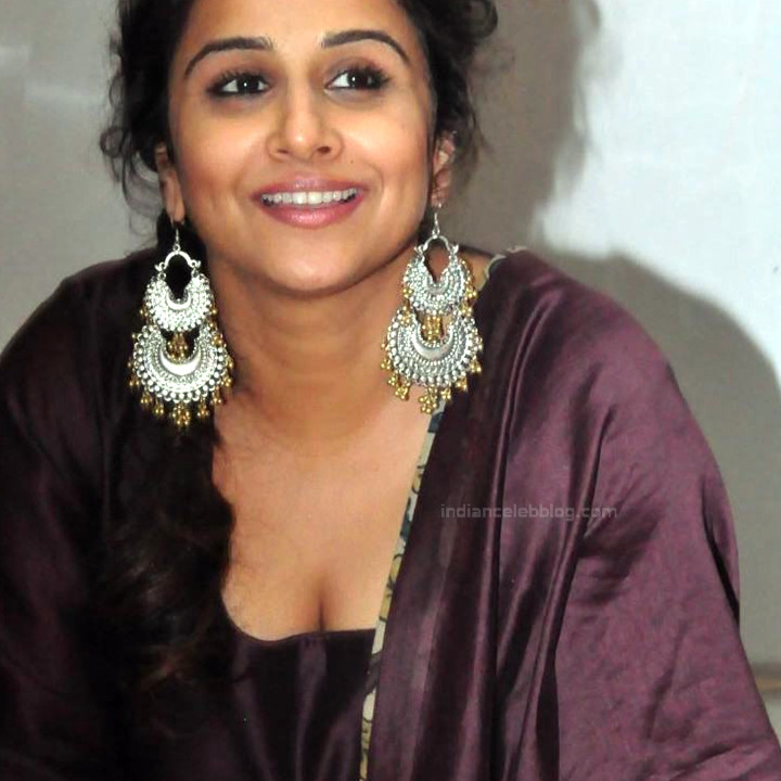 Vidya Balan_Bollywood Actress Event Pics - S1_7_Hot Saree