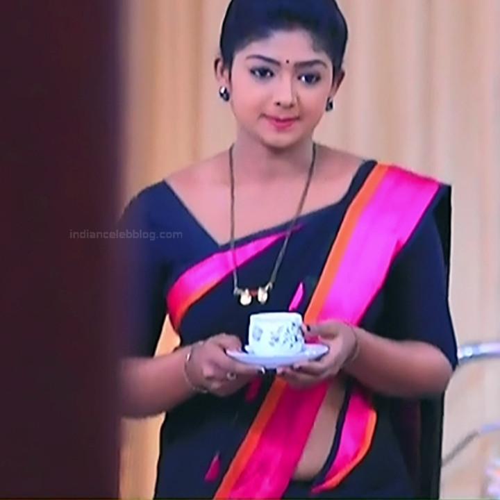 Bhoomi shetty kannada serial actress KinNS2 13 Hot saree photo