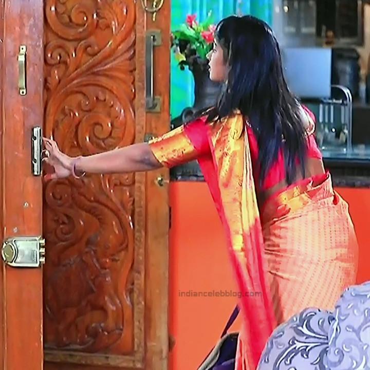 Bhoomi shetty kannada serial actress KinNS2 5 Hot saree photo