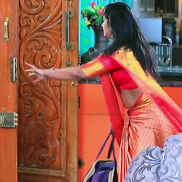 Bhoomi shetty kannada serial actress KinNS2 6 Hot saree photo