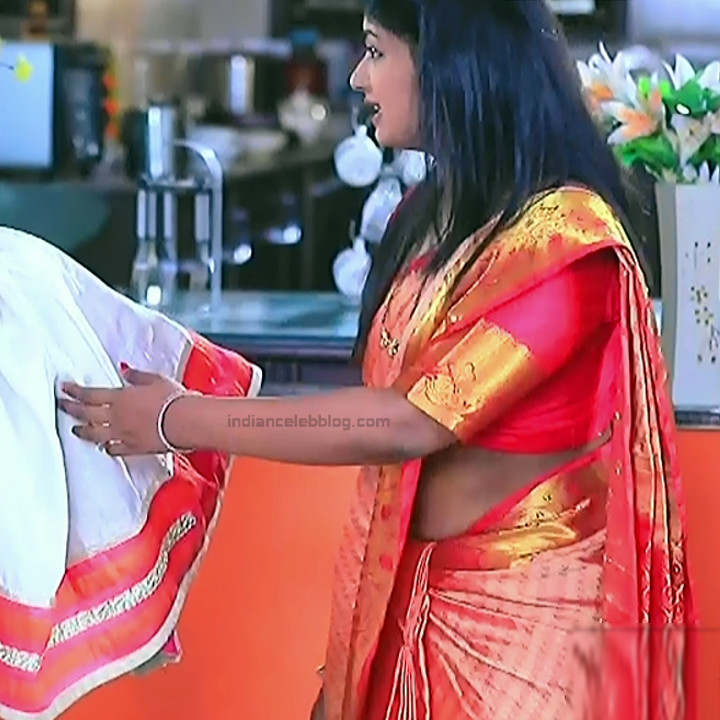 Bhoomi shetty kannada serial actress KinNS2 8 Hot saree photo