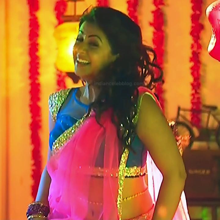 Nikki Galrani Tamil actress kalakalappu movie photos S1 8