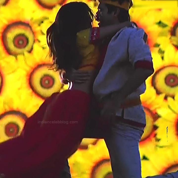 Rani Mukherji Hot movie stills Nayak S2-3 12