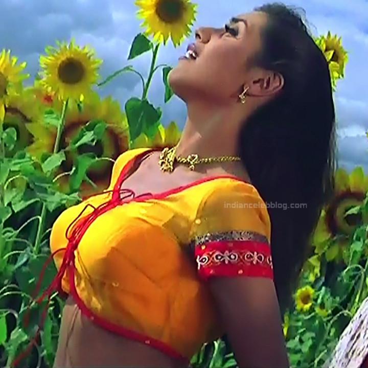 Rani Mukherji Hot movie stills Nayak S2-3 13
