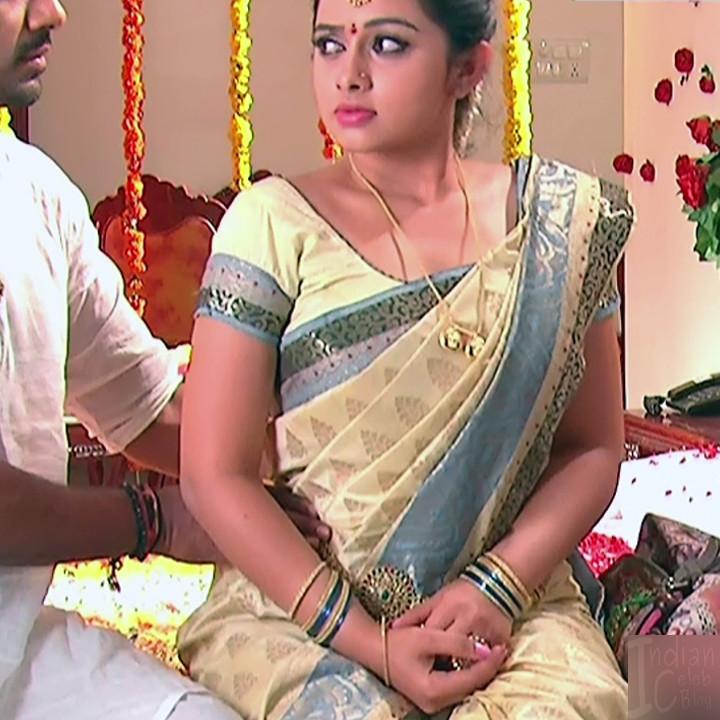 Aishwarya Meghana Telugu TV actress AgniSS2 5 hot sari pics