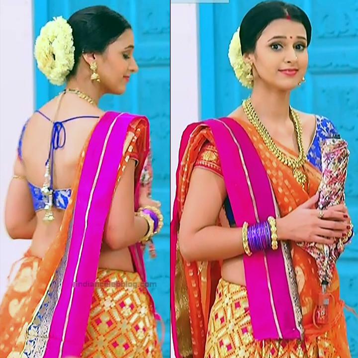 Astha Agarwal Hindi TV Actress KyaHMPS1 4 hot backless saree pics