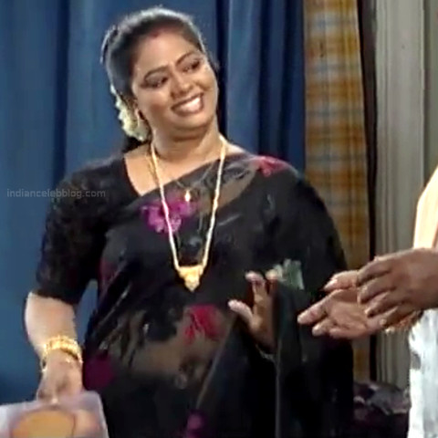 Devipriya Tamil TV actress VKCompS1 22 hot navel show in sari