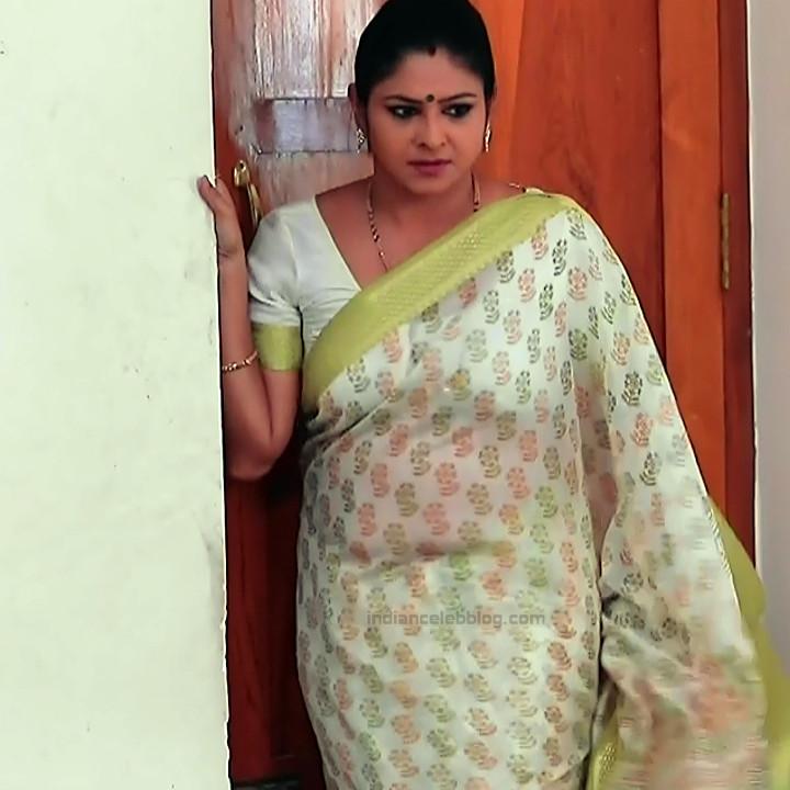 Kannada TV serial mature actress MComp4 11 hot sari caps