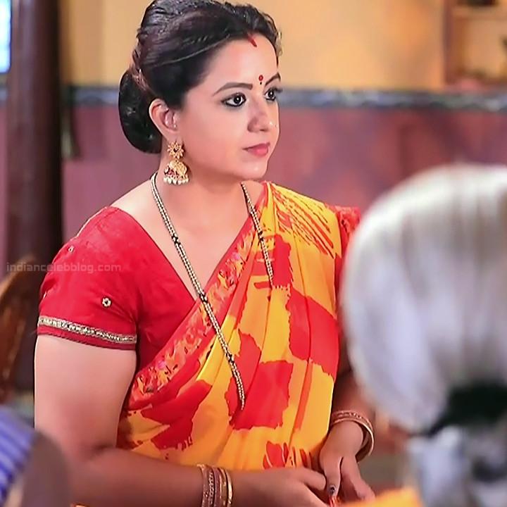 Kannada TV serial mature actress MComp4 13 hot sari caps