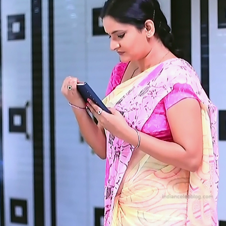 Kannada TV serial mature actress MComp4 17 hot sari caps