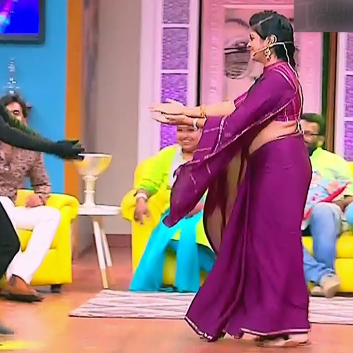Kannada TV serial mature actress MComp4 5 hot sari caps