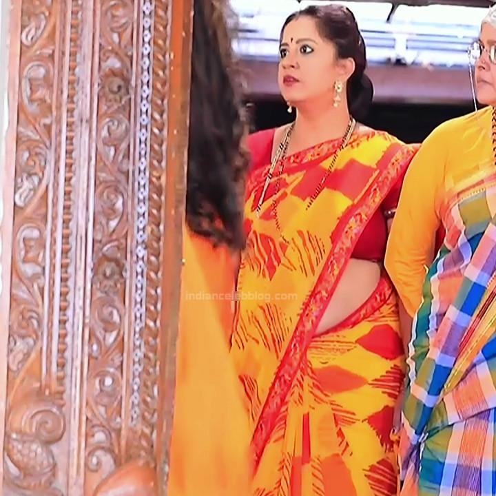 Kannada TV serial mature actress MComp4 7 hot sari caps