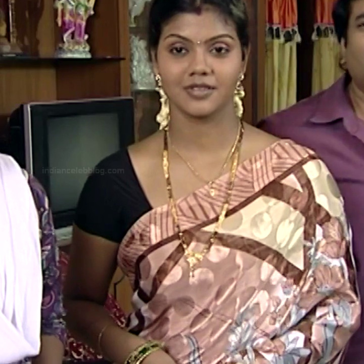 Telugu TV Actress Maa Nanna Art1-S1 2 Hot Saree Caps