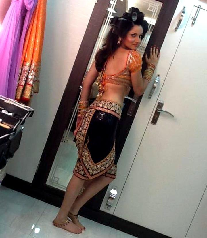 Ankita Lokhande Hindi TV actress CelebTS 1 hot dance pics