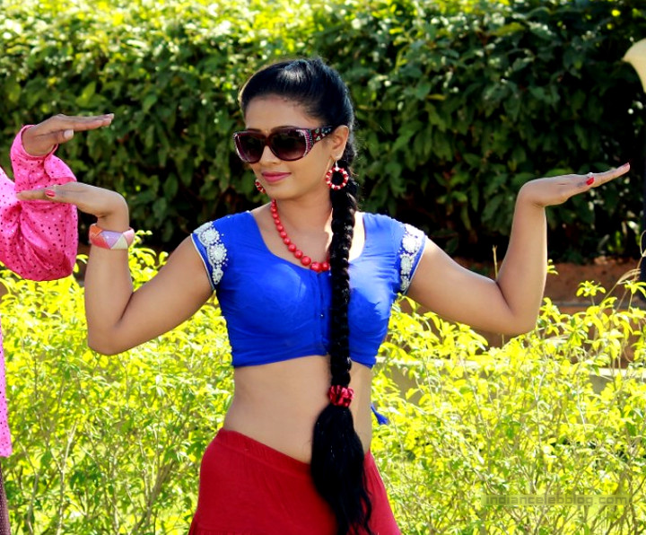 Anusri Telugu TV actress Nuvvena adi movie photos 9