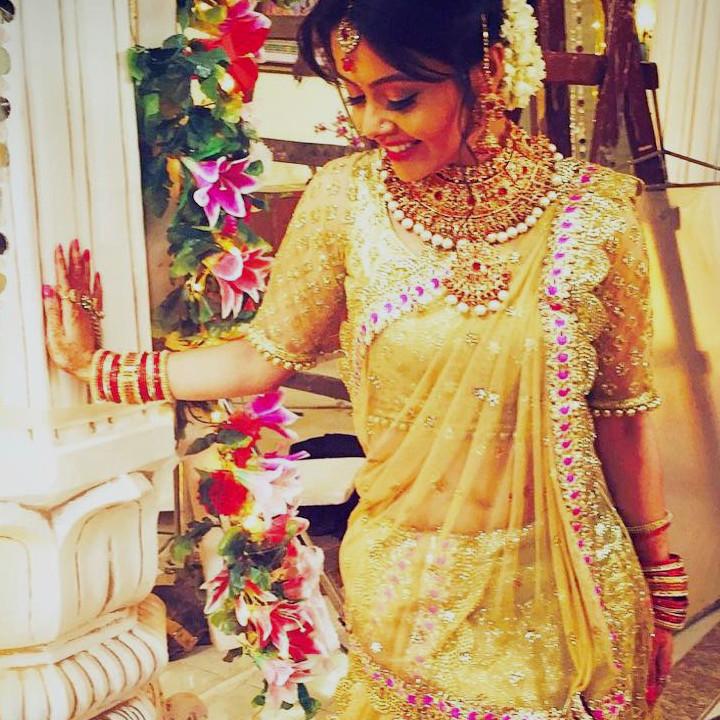Devoleena Bhattacharjee Hindi TV actress CTS1 10 hot saree pics