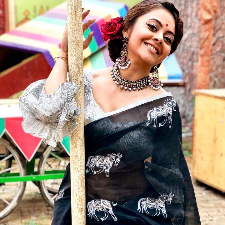 Devoleena Bhattacharjee Hindi TV actress CTS1 3 hot saree pics