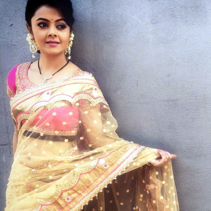 Devoleena Bhattacharjee Hindi TV actress CTS1 7 hot saree pics