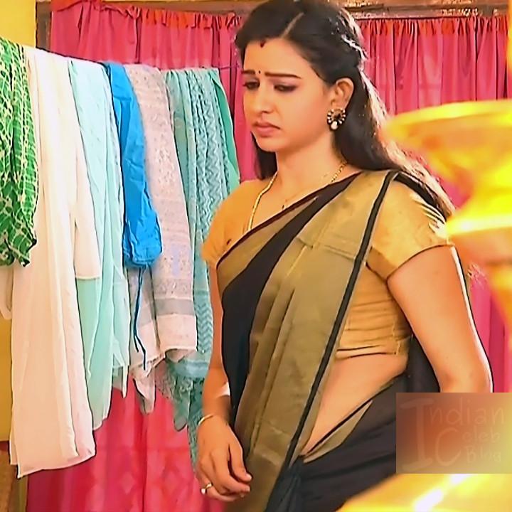 Divya ganesh Tamil serial actress Sumangali S310 hot saree photos