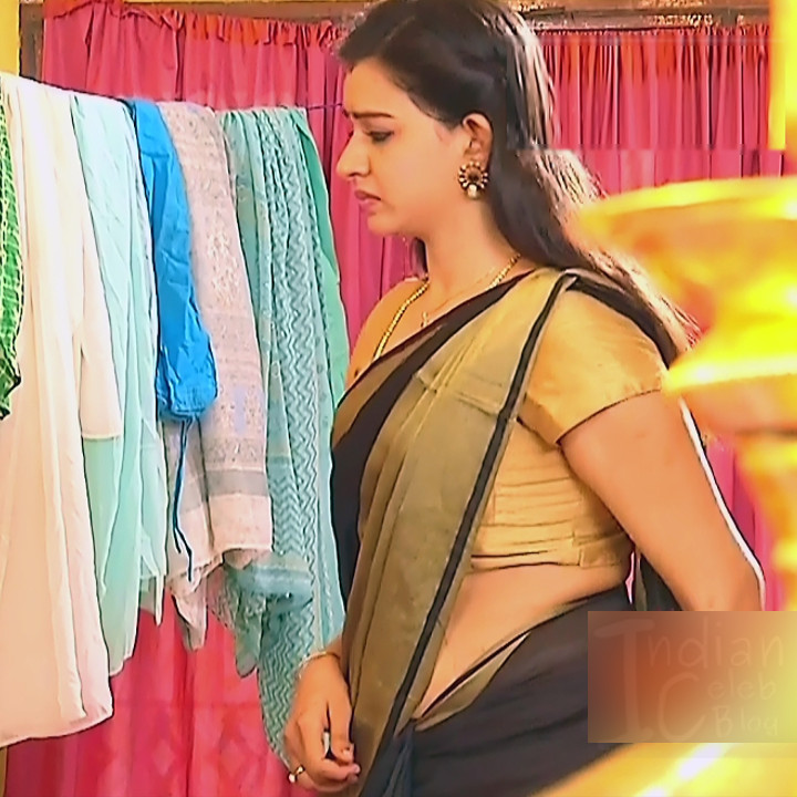 Divya Tamil serial actress Sumangali S38 hot saree photos