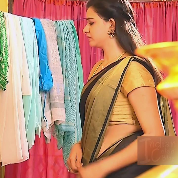 Divya Tamil serial actress Sumangali S39 hot saree photos