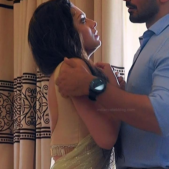 Drashti Dhami Hindi TV actress SilsilaS1 15 hot saree pics