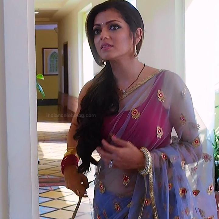 Drashti Dhami Hindi TV actress SilsilaS1 18 hot saree pics